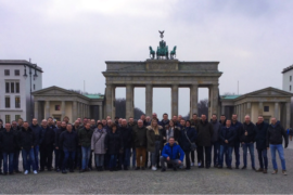 Profit Parts Team vor dem Brandenburger Tor