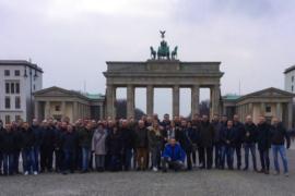 Profit Parts Team vor dem Brandenburger Tor